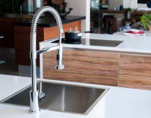 Kitchen sink single bowl